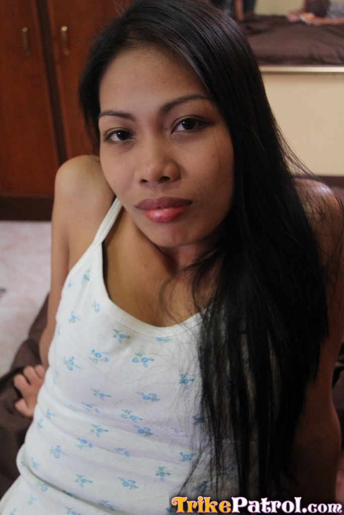 image Filipina streetwalker sucks a mean dick and gets pussy cream